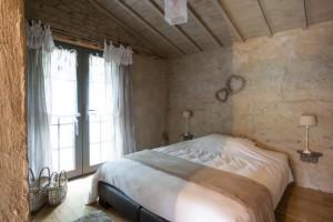 COUR DES LOGES-chambre-486915[1]